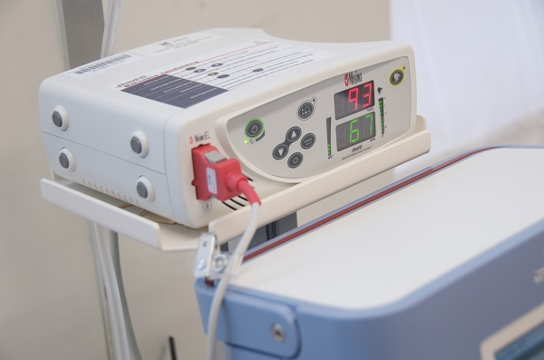Meetapparaat Masimo saturatiemeter o2 sao2 zuurstof meetapparatuur